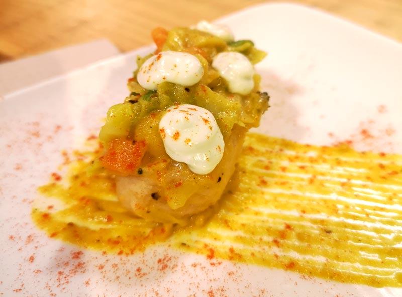 Huevo Ekollaondo con trufa de metauten salsa de portovello y puré de patata